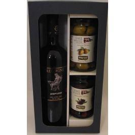 Řecké červené suché víno Dionysos s olivami
